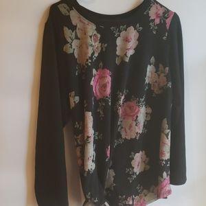 4/$25 Alyx 1X Floral Top